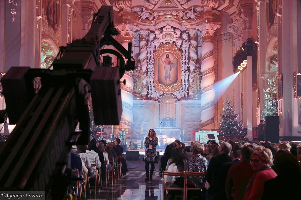 Koncert kolęd w Białymstoku z udziałem znanych polskich wokalistów, m.in. Ani Wyszkoni, Margaret, Krzysztofa Cugowskiego, Braci Golec, Natalii Szroeder