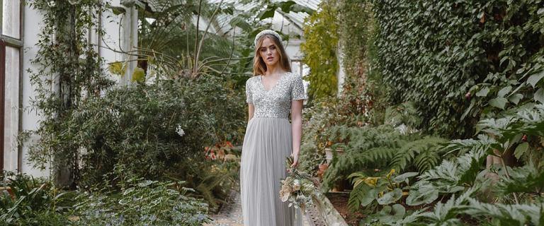 Sukienka na wyjątkową okazję, która ukryje mankamenty sylwetki? Modele znanych marek kupisz w cenie jak z sieciówki!