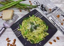 Makaron z bazyliowo - migdałowym pesto i szparagami - ugotuj