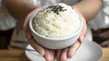 Ryż jaśminowy to gatunek ryżu długoziarnistego, który hodowany jest przede wszystkim w Tajlandii i wykorzystywany w kuchni azjatyckiej