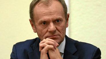 Donald Tusk przed komisją weryfikacyjną ds. VAT. Trwa przesłuchanie byłego premiera