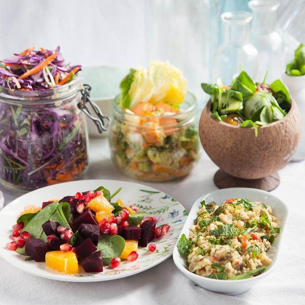 Wiosenne sałatki do dań z grilla. Szybkie i proste przepisy