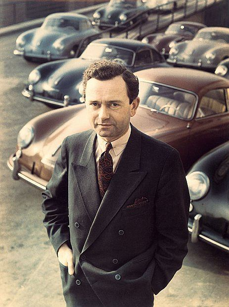 Urodził się 19 września 1909 roku w Wiener Neustadt (Austria)