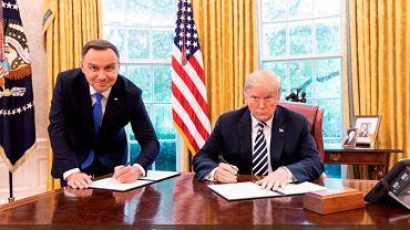 Zdjęcie opublikował prezydent Donald Trump na swoim koncie na Twitterze po wizycie prezydenta Andrzeja Dudy w Białym Domu