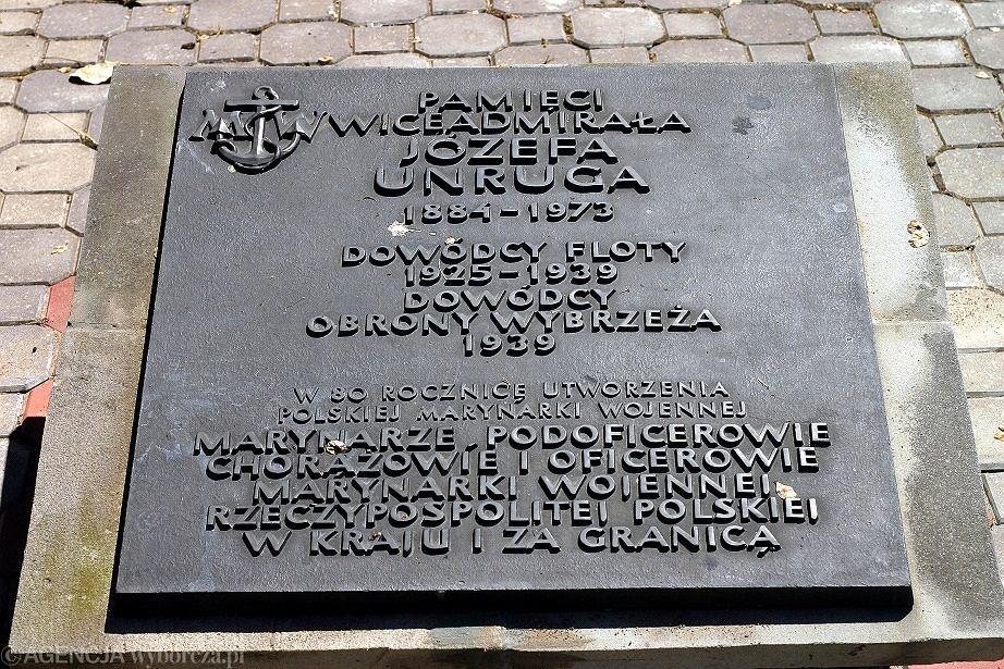 2 października w Gdyni odbył się państwowy pogrzeb admirała Józefa Unruga