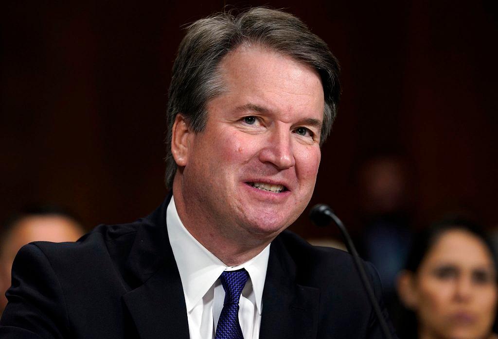 Brett Kavanaugh został zatwierdzony w Senacie USA jako sędzia Sądu Najwyższego.
