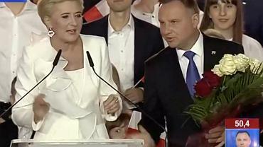 Agata Duda zaliczyła wpadkę podczas wieczoru wyborczego w Pułtusku. Wyrwała się do mikrofonu. Interweniował prezydent