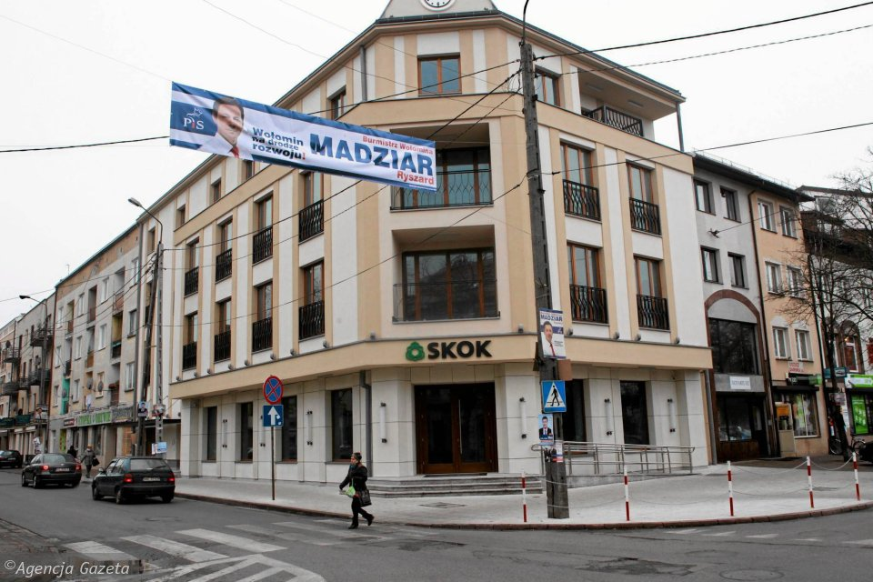 Budynek przy ulicy Wileńskiej w Wołominie, gdzie od początku roku swoją siedzibę miał mieć SKOK Wołomin. Kasa nie zdążyła się przeprowadzić, bo zbankrutowała
