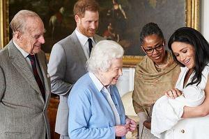 Nietypowe chrzciny w rodzinie królewskiej. Woda z drugiego końca świata i jedna sukienka dla wszystkich dzieci