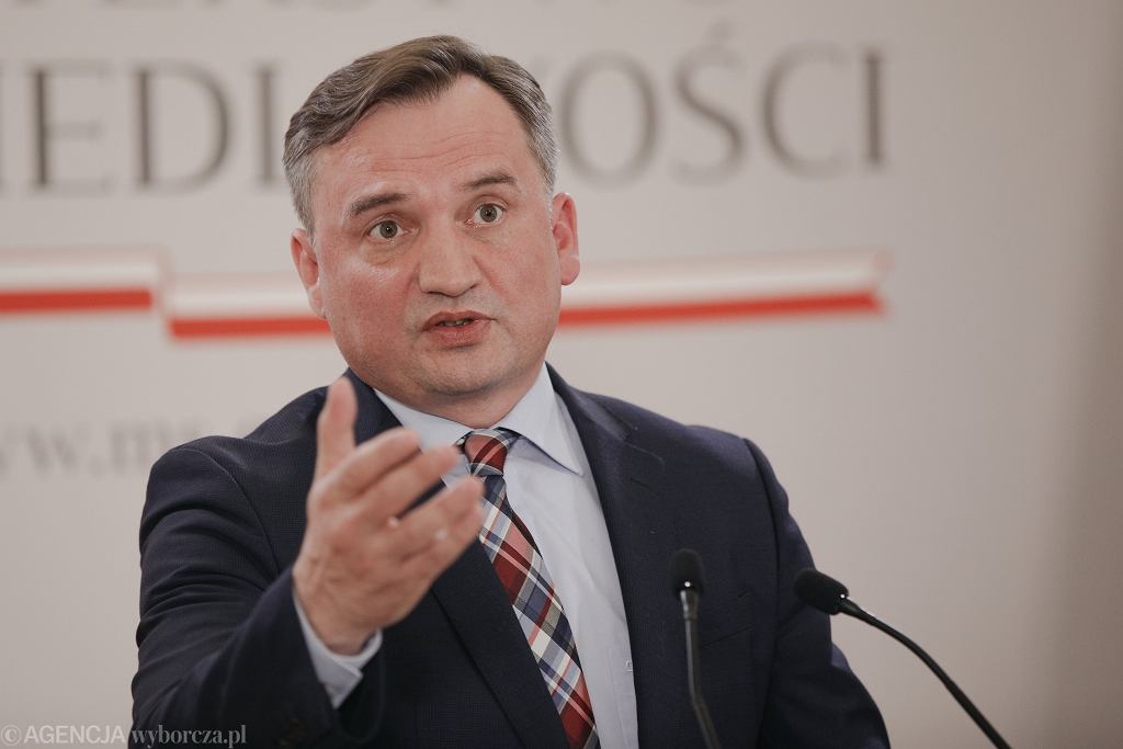 SKonferencja prasowa Zbigniewa Ziobry w Warszawie w sprawie reformy prawa rodzinnego