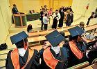 Na co komu dyplom wyższej uczelni, skoro nie daje szansy na pracę w zawodzie?
