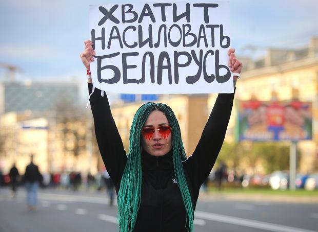 'Przestań gwałcić Białoruś' - demonstracja przeciwników reżimu, Mińsk, 18 października 2020 r.