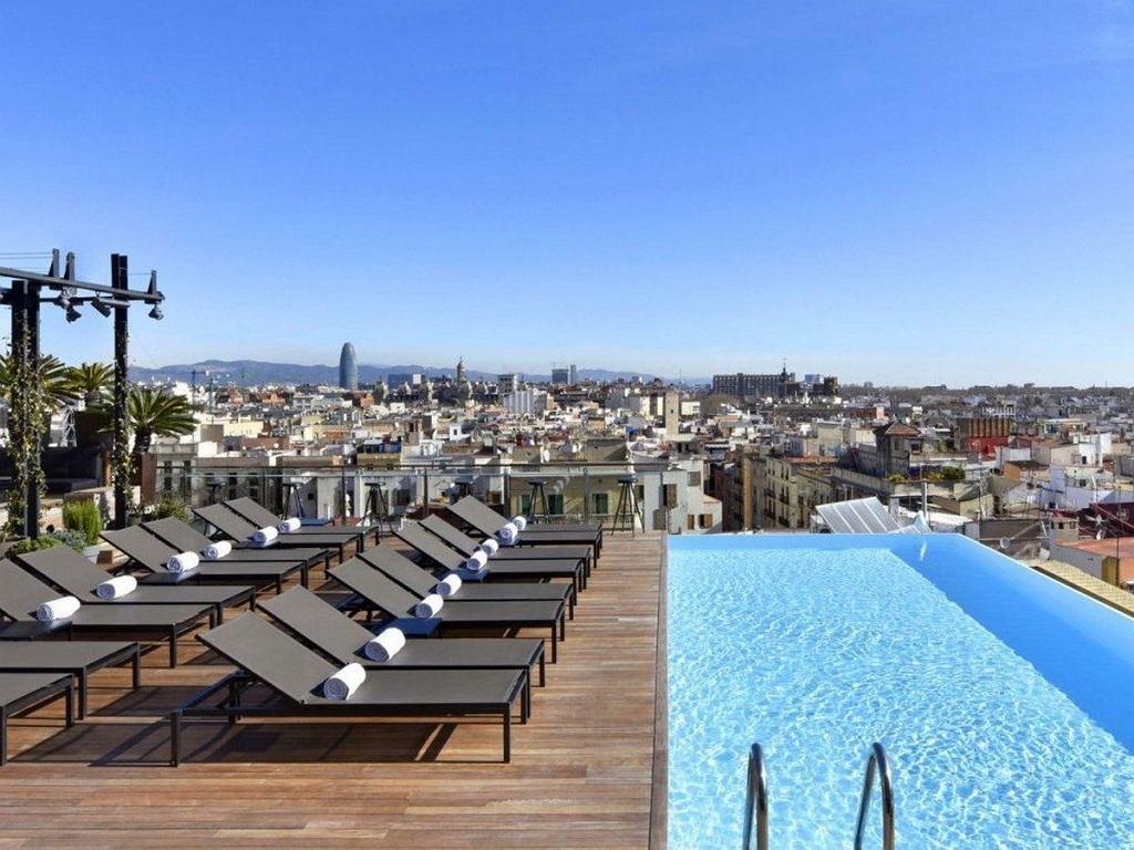 Taras hotelu Grand w Barcelonie