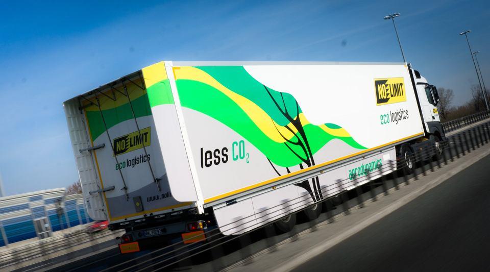 Ciężarówka firmy No Limit