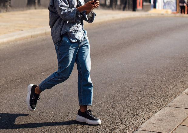 Spodnie Typu Boyfriend Dla Kogo Sa Podpowiadamy Jak Nosic Te Modne Jeansy Moda I Trendy