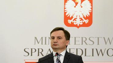 Przemysław Radzik to jeden z rzeczników dyscyplinarnych nominowanych przez ministra sprawiedliwości Zbigniewa Ziobrę (na zdjęciu)