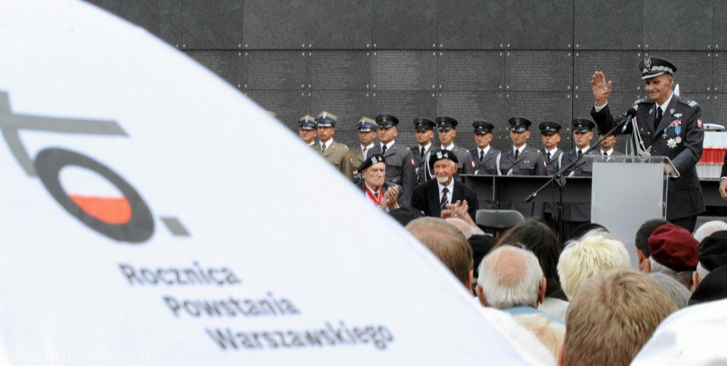 Obchody 70. rocznicy wybuchu Powstania Warszawskiego, przemawia gen. Zbigniew Ścibor-Rylski (fot. Sławomir Kamiński/AG)