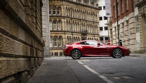 Każdy Aston Martin wygląda pięknie, niezależnie od miejsca w którym sie znajduje