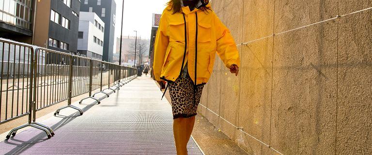 Wyprzedaż przeciwdeszczowych kurtek! Te modne modele na wiosnę i lato kupisz teraz za grosze!