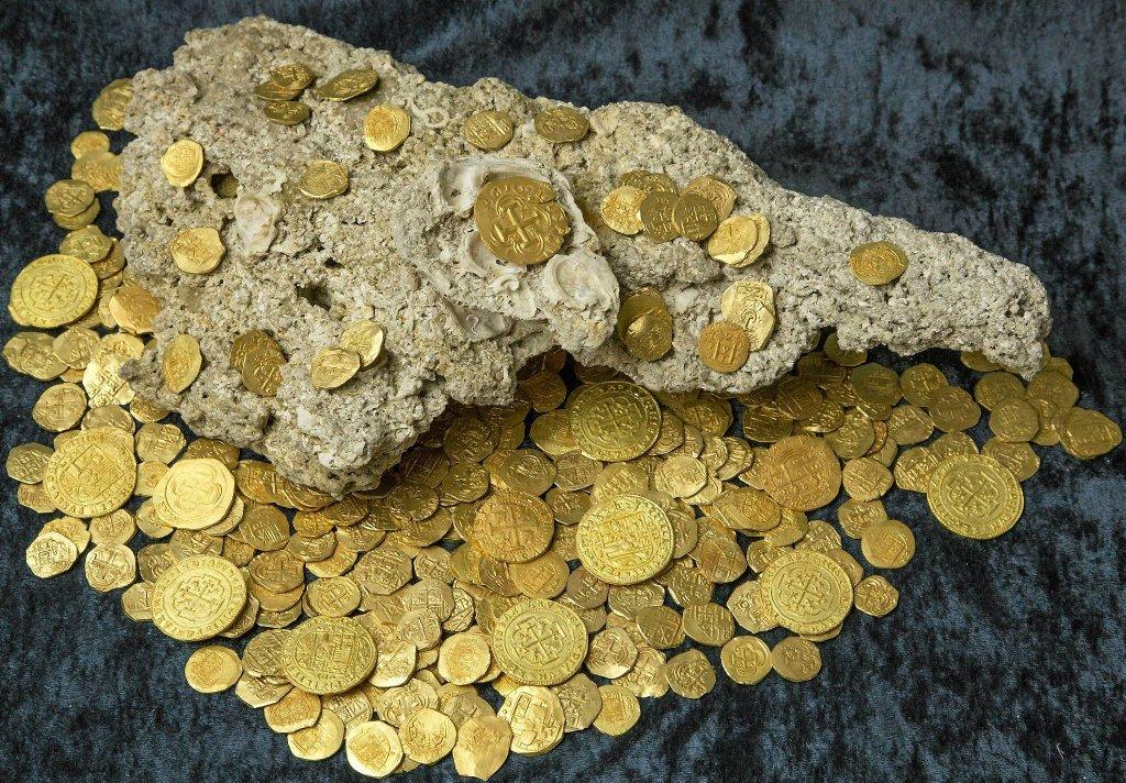 Złote monety z hiszpańskiego skarbu