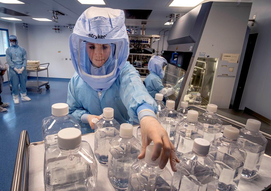 Laboratorium produkcji szczepionki Pfizer BioNTech Corona w Marburgu w Niemczech.