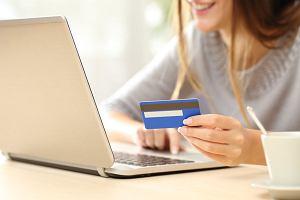 Jak bezpiecznie płacić w sieci i nie martwić się o kradzież? Przelewem, kartą, telefonem?
