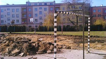 Budowa boiska wielofunkcyjnego przy V LO w Radomiu