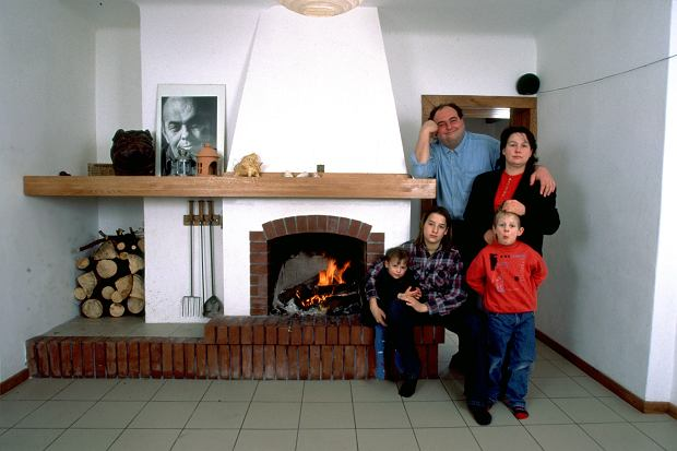 Maciej Kuroń z żoną Joanną i dziećmi - od lewej: Jan, Gaja, Kacper