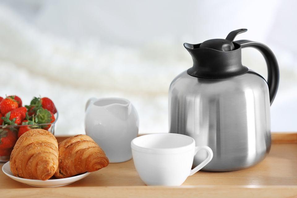 Dzbanek termiczny, idealny na rodzinne śniadanie