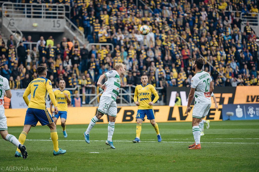 Derby Trójmiasta. Arka Gdynia - Lechia Gdańsk 2:2. W środku Michał Nalepa