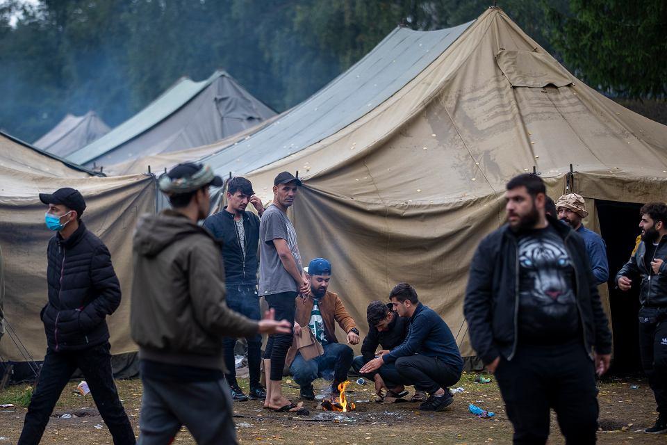 05.08.2021 Litwa, Rudninkai. Prowizoryczny obóz dla uchodźców.