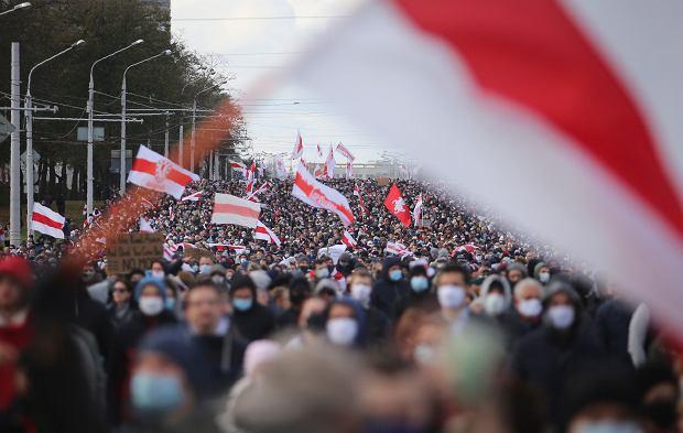 Demonstracja przeciwników reżimu Aleksandra Łukaszenki, Mińsk, 18 października 2020 r.