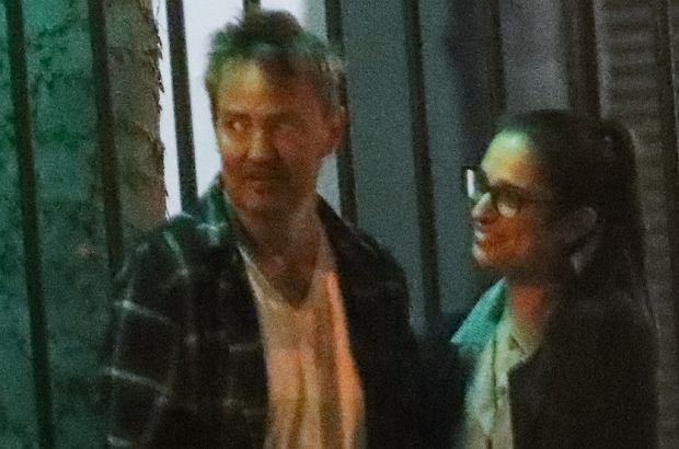 yEXCLUSIVE: Actor Matthew Perry makes a rare outing looking disheveled with a mystery women after a romantic low key dinner date.Mathew Perry co-starred with Jennifer Anniston on the tv show  Friends ' who hasnt been looking great.03 Nov 2019, Image: 481060924, License: Rights-managed, Restrictions: World Rights, Model Release: no, Credit line: MEGA / Mega Agency / ForumRAdobed
