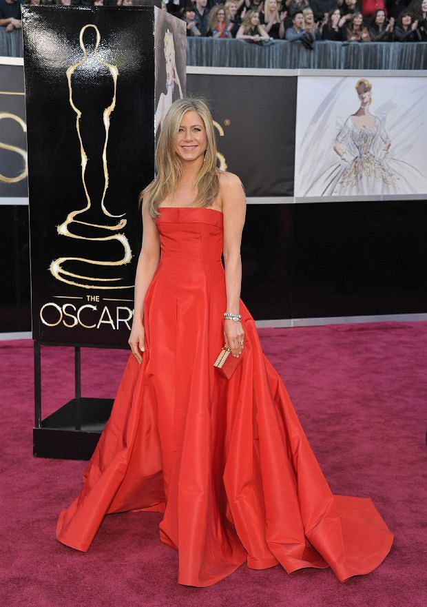 Actress Jennifer Aniston arrives at the Oscars at the Dolby Theatre on Sunday Feb. 24, 2013, in Los Angeles. (Photo by John Shearer/Invision/AP)