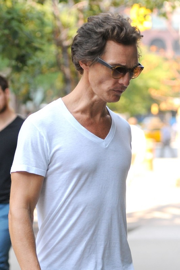 "83115, NEW YORK, NEW YORK - Thursday August 30, 2012. A gaunt-looking Matthew McConaughey is seen heading into a hotel in NYC. The Hollywood heartthrob is losing a ton of weight for his starring role in ""The Dallas Buying Club,"" in which he plays Ron Woodruff, a real-life Texan man who contracted AIDS in the 1980s. Photograph: ? Hall/Pena, PacificCoastNews.com **FEE MUST BE AGREED PRIOR TO USAGE** **E-TABLET/IPAD & MOBILE PHONE APP PUBLISHING REQUIRES ADDITIONAL FEES** LOS ANGELES OFFICE: 1 310 822 0419 LONDON OFFICE: +44 208 090 4079"