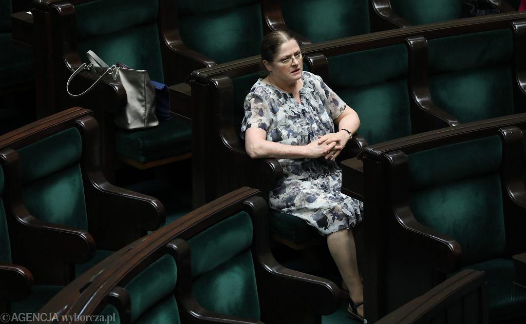 Posłanka PiS Krystyna Pawłowicz podczas informacji prezes Trybunału Konstytucyjnego. Warszawa, Sejm, 10 maja 2018
