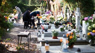 Świnoujście. Pogrzeb został przerwany przez saperów. W sąsiedniej mogile był niewypał