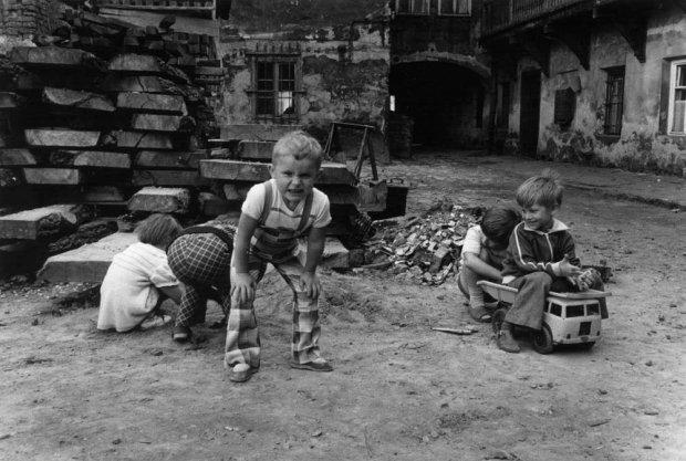 Wspominając dzieciństwo lubię myśleć, że byłam grzecznym dzieckiem (fot. Susanne Guzei)