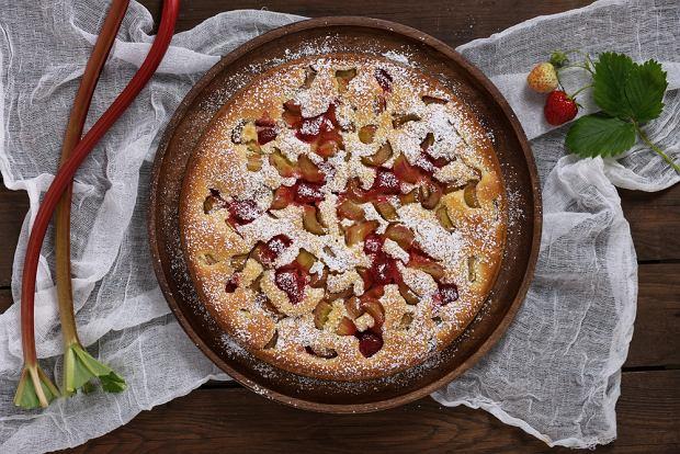 Jak zrobić ciasto z rabarbarem? Doskonały deser o wyjątkowym smaku