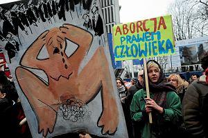 Rośnie poparcie dla legalnej aborcji w Polsce. Według sondażu IPSOS dla OKO.press 53 proc. za prawem do przerywania ciąży