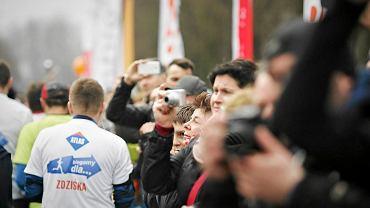 Biegacze przed startem Maratonu Dbam o Zdrowie w Łodzi