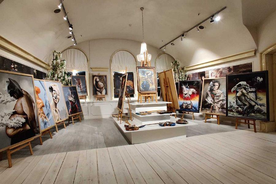 'Sztuka jest kobietą...' La Vie Skin Gallery