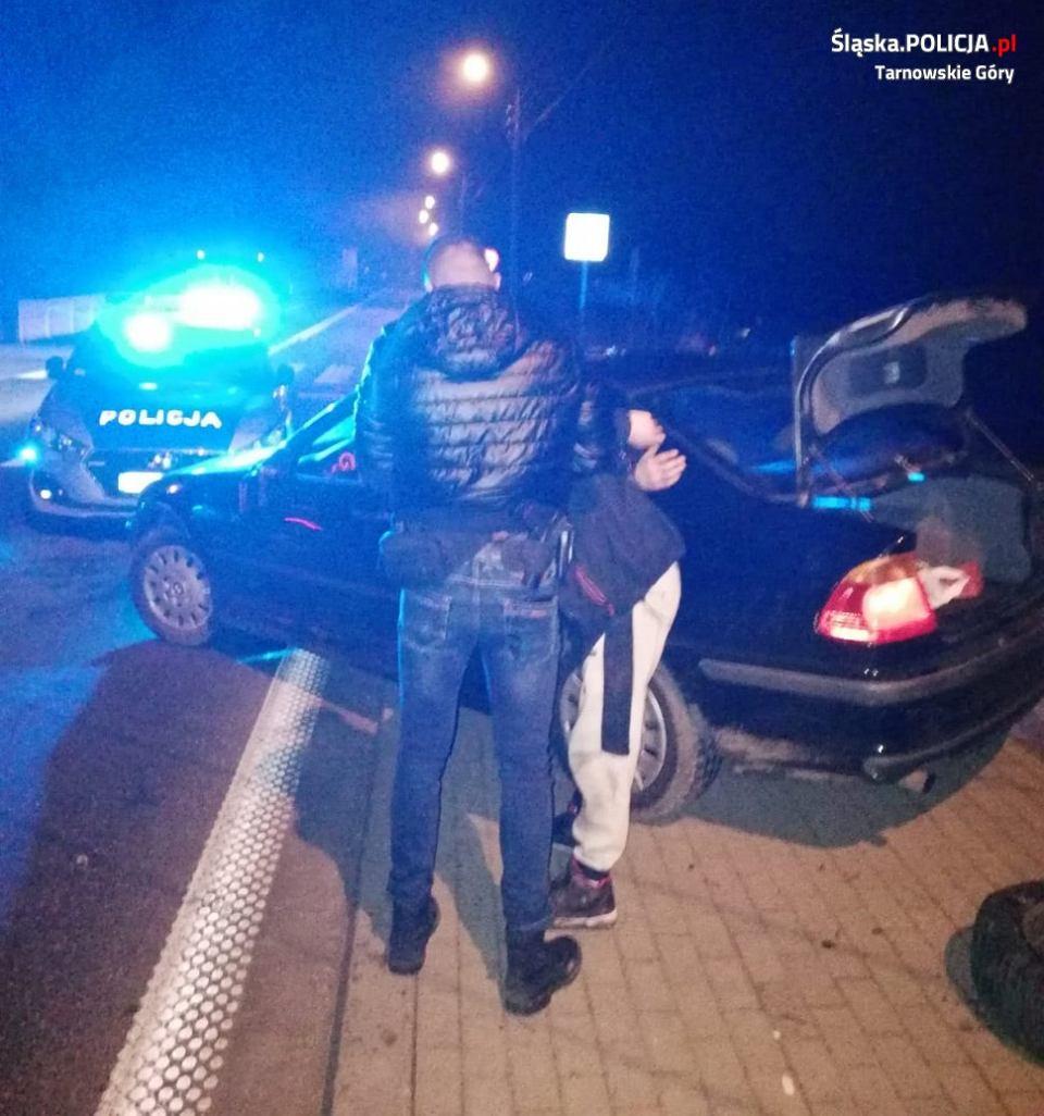 22-letni kierowca bmw zatrzymany po pościgu przez policjantów z Tarnowskich Gór.