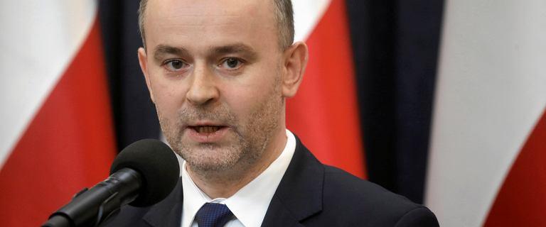 Andrzej Duda chce się pozbyć swojego ministra. Ale w rządzie też go nie chcą