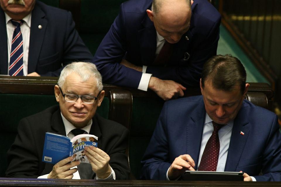 b8071673c0b951 Jarosław Kaczyński i Mariusz Błaszczak podczas głosowania nad prezydenckimi  projektami ustaw o Sądzie Najwyższym, KRS