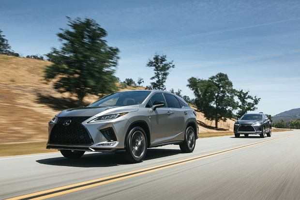 Nowy Lexus RX i RX L - czas na facelifting. Odświeżenie wyglądu i parę nowości w kabinie