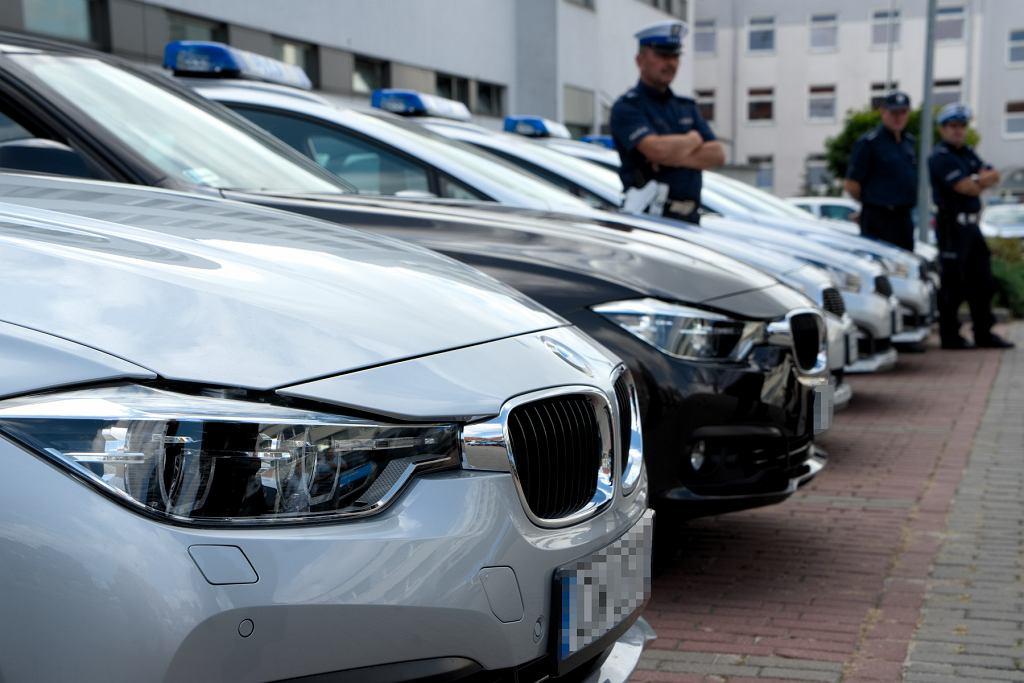 Policyjne BMW 330i miały od ubiegłego roku 75 kolizji i wypadków