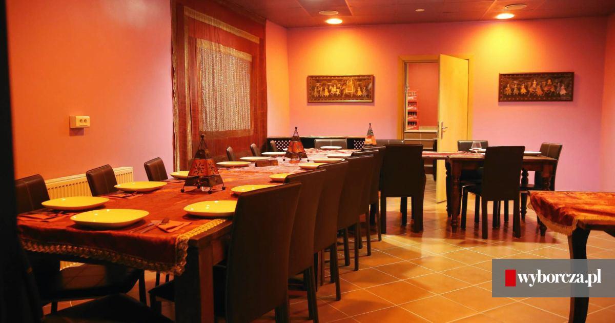 Restauracja Rubaru W Nowym Miejscu Eksponuje Stara Studnie