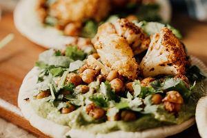 Stek z kalafiora - przepis na dietetyczne danie wegetariańskie. Idealne na grilla i szybki obiad