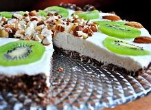 Daktylowo - owsiana tarta z nadzieniem serowo - jogurtowym - ugotuj